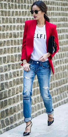 25 Stylish Outfits With Cuffed Jeans: Jamie Chung in blue cuffed boyfriend jeans together with a statement white T-shirt and red blazer The Effective Pictures We Offer You About Blazer Outfit mostaza Mode Outfits, Stylish Outfits, Fall Outfits, Fashion Outfits, Womens Fashion, Latest Fashion, Fashion Ideas, Fashion Styles, Fashion Trends