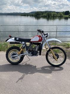 Moto Enduro, Enduro Motorcycle, Moto Bike, Racing Motorcycles, Motorcycle Design, Enduro Vintage, Vintage Motocross, Vintage Bikes, Vintage Motorcycles