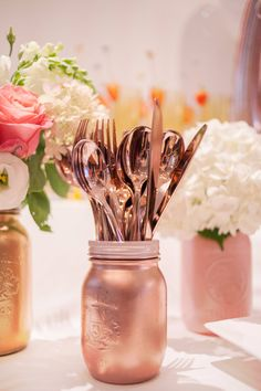 Matching rose gold cutlery and rose gold painted mason jars. Rose Gold Cutlery, Rose Gold Painting, Party In A Box, Painted Mason Jars, Perfect Party, Twinkle Twinkle, Cutlery, Sparkles Glitter, Paint Mason Jars