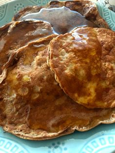 """Don't worry, these are a version of my healthy """"pancakes."""" They are paleo/gluten-free and packed with protein, pre- and pro-biotics thanks to Shakeology®. 21 Day Fix Breakfast, Breakfast On The Go, Quick And Easy Breakfast, Strawberry Shakeology Recipes, Eat To Perform, Protein Powder Shakes, Protein Shakes, Shake Recipes, How To Eat Paleo"""