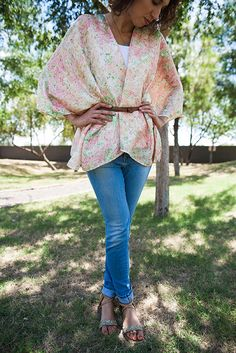 bright summer belted kimono and light wash jeans - cute spring style