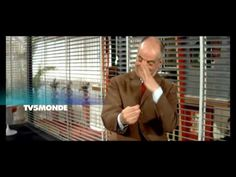 De Edouard Molinaro (Francia 1967)  Con Louis de Funès Claude Rich Agathe Natanson Sylvia Saurel Claude Gensac... En base a la obra de Claude Magnier. Rico promotor Bertrand Barnier lleva una vida tranquila hasta el día en que Christian su hombre de confianza lo chantajea para obtener la mano de su hija. Sin embrago la amante de Christian resulta ser una usurpadora. En lo que respecta a Colette la ''verdadera'' hija de Barnier está embarazada de Oscar el chófer.