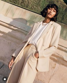 Spring Style Forecast: & Other Stories Key Pieces for Spring 2020 Looking Forward To Seeing You, Professional Women, Minimal Fashion, Sweater Weather, Fashion 2020, Well Dressed, Suits For Women, Instagram Fashion, Business Women