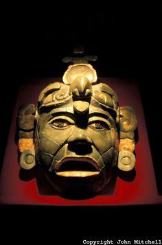 Tikal.  Máscara de jade