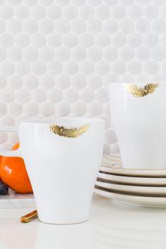 DIY Temporary Edible Gold Lipstick Mugs