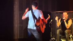 Backstreet Boys - Howie D shaking ass - Antwerp, IAWLT Tour 2014 Meu latino requebrando tudo!