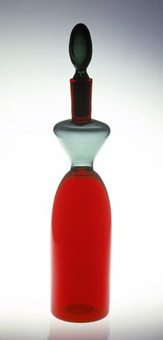 Gio Ponti, Morandini Bottle, 1950. Blown glass. Produced by Venini, Murano. Montreal Museum of Fine Arts.