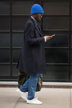 Get the latest men's fashion and style trends, celebrity style photos, news, tips and advice from top experts of GQ. Mens Fashion Week, New York Fashion, Fashion News, 2000s Fashion, College Fashion, Fashion Fashion, Korean Fashion, Fashion Online, Winter Fashion