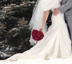 red bouquet #Whiteflash #Verragio