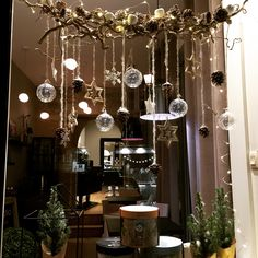 Discover recipes, home ideas, style inspiration and other ideas to try. Christmas Salon, Christmas Open House, Christmas Window Decorations, Christmas Window Display, Salon Window Display, At Home Store, Hairdresser, Boutique Ideas, Diy Crafts