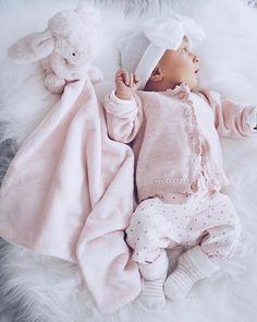 P i n t e s t: oshslambie - Rainbow baby - Little Babies, Cute Babies, Baby Kids, Baby Girl Dolls, My Baby Girl, Foto Baby, Cute Baby Pictures, Baby Family, Baby Girl Fashion