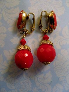 Vintage Cherry Red Lucite Plastic Dangle Drop Earrings Goldplate Clip Nashville #Unbranded #DropDangle