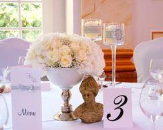 9. Roman Wedding,White centerpieces,Table number / Rzymskie wesele,Dekoracja stołu,Numery stołów,Anioły Przyjęć