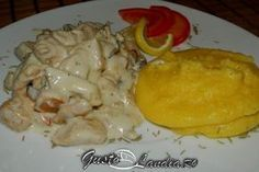 Ciulama de pui cu ciuperci Romanian Food, Hungarian Recipes, Carne, Cookie Recipes, Stuffed Mushrooms, Food And Drink, Tasty, Meat, Chicken