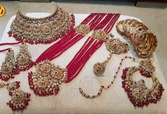 Discovered by Find images and videos on We Heart It - the app to get lost in what you love. Flower Jewellery For Haldi, Pakistani Bridal Jewelry, Indian Bridal Jewelry Sets, Indian Jewelry Earrings, Bridal Accessories, Bridal Jewellery, Bridal Necklace, Necklace Set, Wedding Jewellery Designs