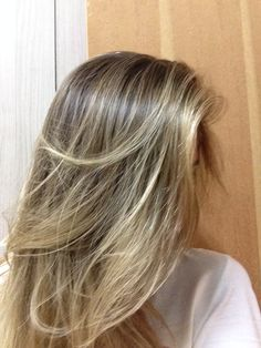 Blond hair; cabelo loiro; highlights; luzes por Astridy Baccin