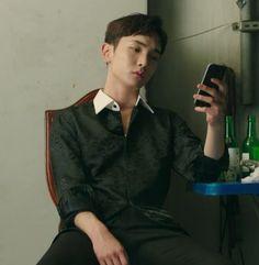 "Kim Kibum ""Drinking Solo"""