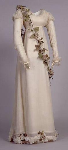 Dress ca. 1821 via The Royal Pavilion & Museums, Brighton & Hove
