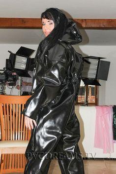Vinyl Raincoat, Pvc Raincoat, Plastic Raincoat, Imper Pvc, Mode Latex, Rubber Catsuit, Vinyl Dress, Vinyl Clothing, Rubber Raincoats