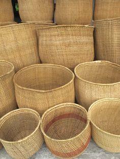 Corbeilles en liane--never met una canasta that I didn't… Rattan, Wicker, Sewing Baskets, Laundry Baskets, Ethnic Chic, Weaving Art, Bamboo Weaving, Flower Girl Basket, Basket Bag