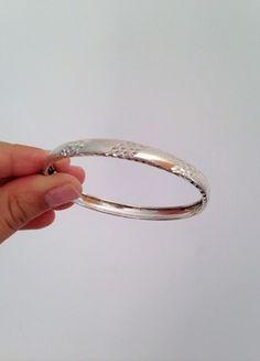 Kaufe meinen Artikel bei #Kleiderkreisel http://www.kleiderkreisel.de/accessoires/armbander-and-armreife/109362266-massiver-armreif-aus-925er-sterling-silber