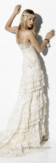 Yolan Cris 2013 Ibiza Collection. Ok so if I had a white wedding dress which I probably won't then this would be what I would want :)