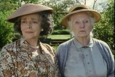 Gwen Watford & Joan Hickson  Miss MarpleSERIES 1 - 1. THE BODY IN THE LIBRARY