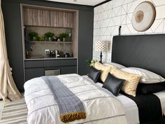 Micah Kitchens designs and creates another Inspiring Living Space. When you up in the middle of the night for a midnight snack and realise you don't have to go the kitchen. Comforters, Kitchen Design, Living Spaces, Kitchens, Middle, King, Bar, Blanket, Coffee