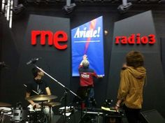 En rne Radio 3: el fondo de escenario es importante para la grabación de TV.