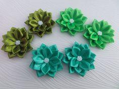 Kanzashi fabric flowers. Set of 2 hair clips. by LoveKanzashi