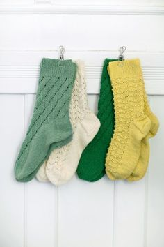 Ravelry: 11 Sokker pattern by Rauma Designs Diy Crochet And Knitting, Crochet Socks, Knitting Socks, Baby Knitting, Knitted Hats, Socks And Heels, Wool Socks, Lace Patterns, Diy Embroidery