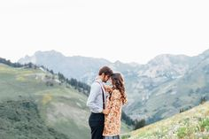 Cute Fall Engagement photos. Cute outfit ideas for engagement pictures. Pretty hair and makeup for engagements. Stephanie Sunderland Photography. New York Photographer.