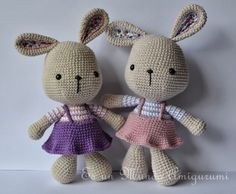 Amigurumi rabbits in dresses. (Inspiration).