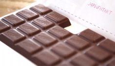 Marca faz sucesso ao lançar barra de chocolate faltando um pedaço