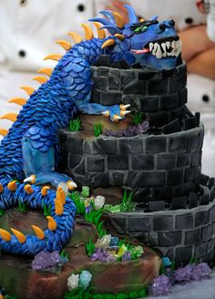 An enchanting dragon cake #medieval #party