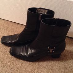 ANN KLEIN  BLACK BOOTS! These are black boots with side buckle and in good condition except for scuff on right shoe as shown . Heel is 1 3/4 inches. Shoes