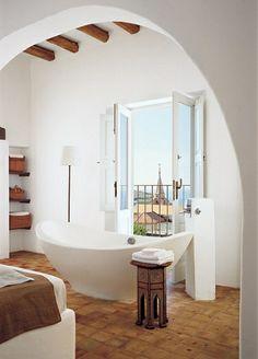 Bathroom Interior Design by Erin Quiros in Italian Architect James Cavagnari Dream Home