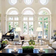 Amei a simetria das janelas nesse living e vocês?