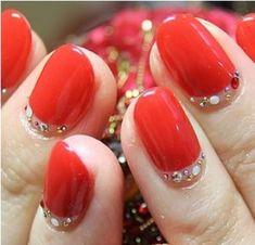 red nails with rhinestones Xmas Nail Designs, Nail Art Designs, Nails Design, Xmas Nails, Glitter Nails, Fancy Nails, Pretty Nails, Modern Nails, Round Nails