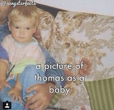 Thomas Brodie Sangster as a baby. DO YOU KNOW HOW HARD WAS TO FIND THIS>>>>>>>>> OMG!
