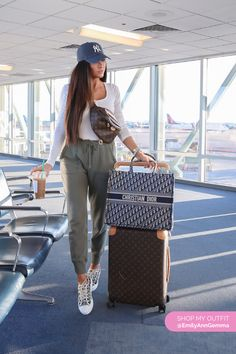 Comfy Travel Outfit for Fall and Winter - Dior Book Tote Bag and Louis Vuitton Bumbag. Emily Gemma, Airport Outift The S Cute Airport Outfit, Airport Travel Outfits, Cute Travel Outfits, Comfy Travel Outfit, Travel Outfit Summer, Vacation Outfits, Airport Look, Travel Wear, Air Travel