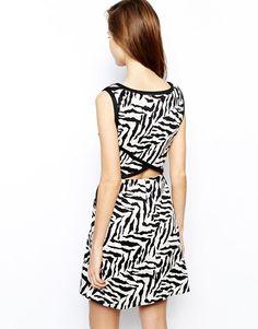 Black Round Neck Sleeveless Zebra Print Waist Cut Out Sweet Dress