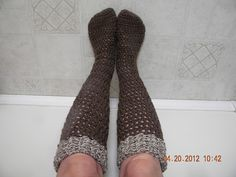 just in time for fall!! Ravelry: Chunky Knee-High Boot Sock pattern by Sarah Lora
