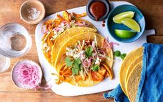 Slow Cooker Chicken Pibil Tacos Just omit the sugar Healthy Taco Recipes, Healthy Tacos, Gourmet Recipes, Healthy Dishes, Healthy Eating, Skinny Recipes, Ww Recipes, Healthy Meals, Free Recipes
