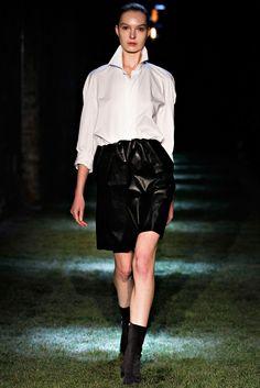 Thomas Tait Fall 2012 Ready-to-Wear Fashion Show