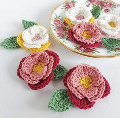 Peony Flowers Free Crochet Pattern Crochet Small Flower, Crochet Flower Tutorial, Crochet Flower Patterns, Flower Applique, Crochet Designs, Crochet Flowers, Crochet Ideas, One Skein Crochet, Quick Crochet