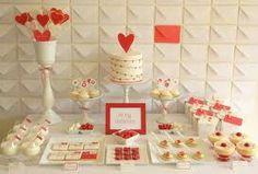 Solprende en Sant Valentin con una hermosa mesa dulce.