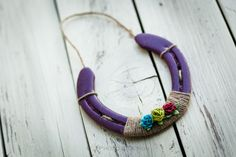 Purple painted horse shoe...love this idea! Would make a great gift. #horseshoes