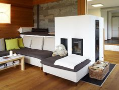 Modernes Landhaus: Traditioneller Ofen im Wohnzimmer Traditional stove in the living room Attic Living Rooms, Living Room Images, Home Living Room, Wc Design, Design Case, House Design, Home Fireplace, Living Room With Fireplace, Country Modern Home