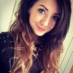 Wach Zoella for awesome beauty products and makeup videos! Wach Zoella for awesome bea Pointless Blog, Zoella Hair, Zoe Sugg, Makeup Videos, Ombre Hair, Her Hair, Hair Inspiration, Maya, Beauty Hacks